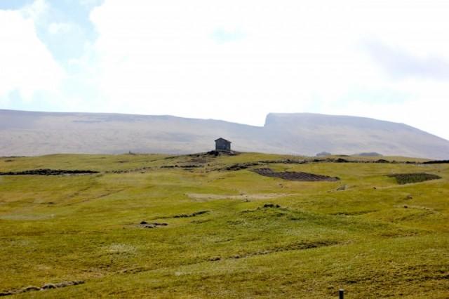 Færøsk natur og hytte